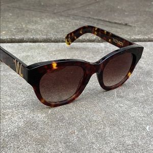 WILDFOX Classic Fox Monroe Oversized Retro Sunnies